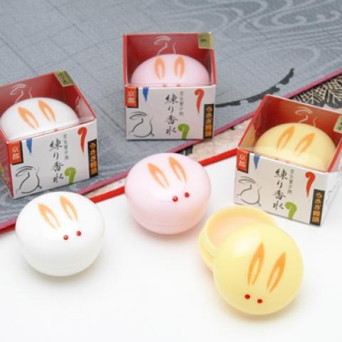うさぎ饅頭 練り香水【金木犀・黄色いうさぎ】
