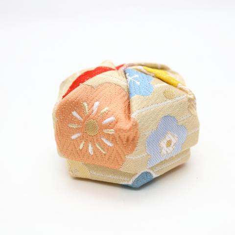 ねじり箱【縞にふわり梅・ベージュ】