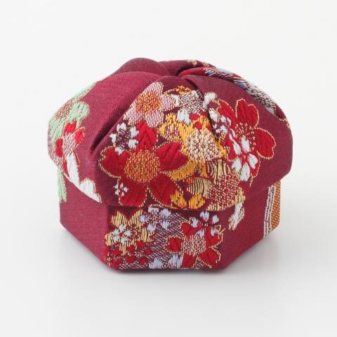 ねじり箱【兎に雪輪桜】
