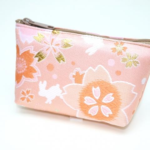 金襴ミニポーチ【満開桜にはね兎・薄ピンク】
