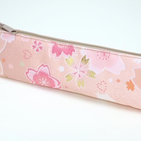 金襴ペンケース【満開桜にはね兎・薄ピンク】※クリックポスト利用可